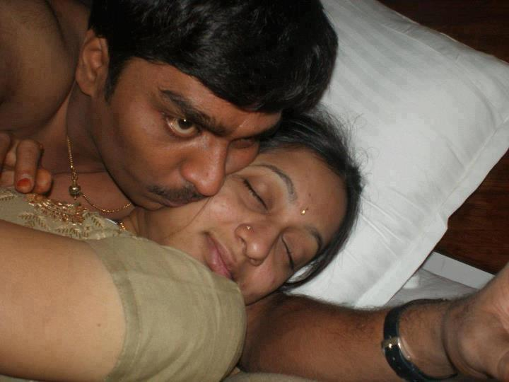 Mallu couple nude — pic 1