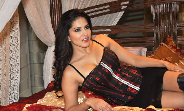 Sunny Leone without Dress